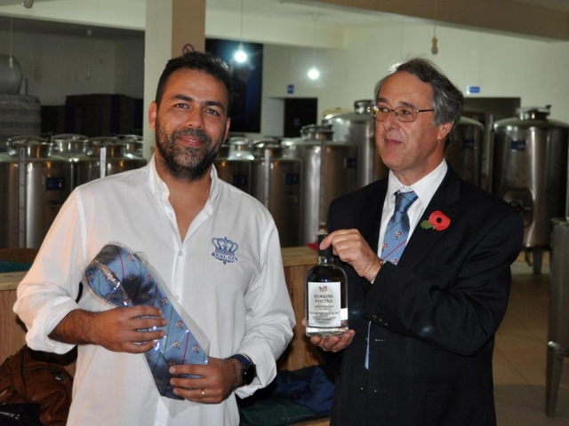 Jacinto Policarpo and Nick Ellis in tie and Roaring Forties presentation, Real Gin Pegoes